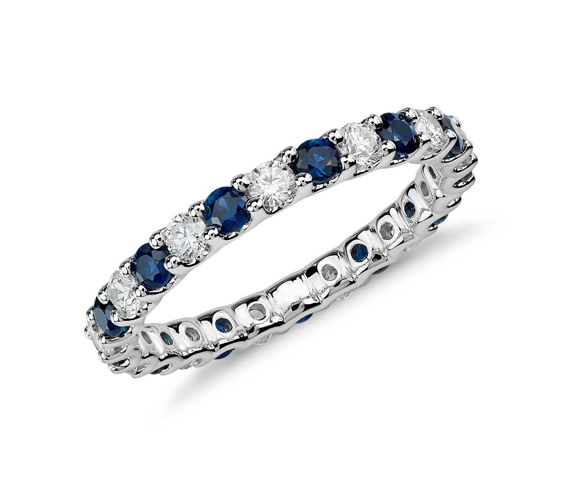 Shire And Diamond Eternity Ring Foto Wallpaper